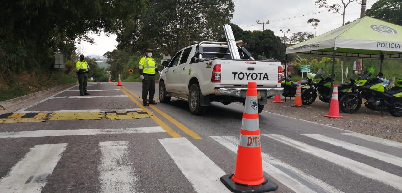 Autoridades blindan la ciudad para evitar que infractores salgan a 'pasear' | Metro | EL FRENTE