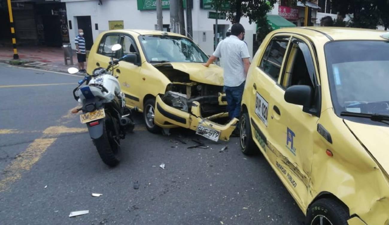 Por comerse el pare dos taxistas se chocaron   Local   Justicia   EL FRENTE