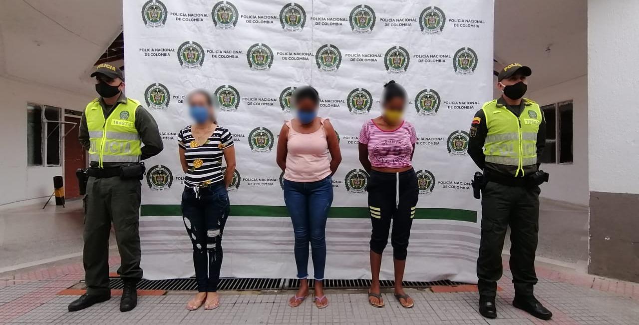 Tres mujeres se bañaron en la represa de Sabana de Torres | EL FRENTE