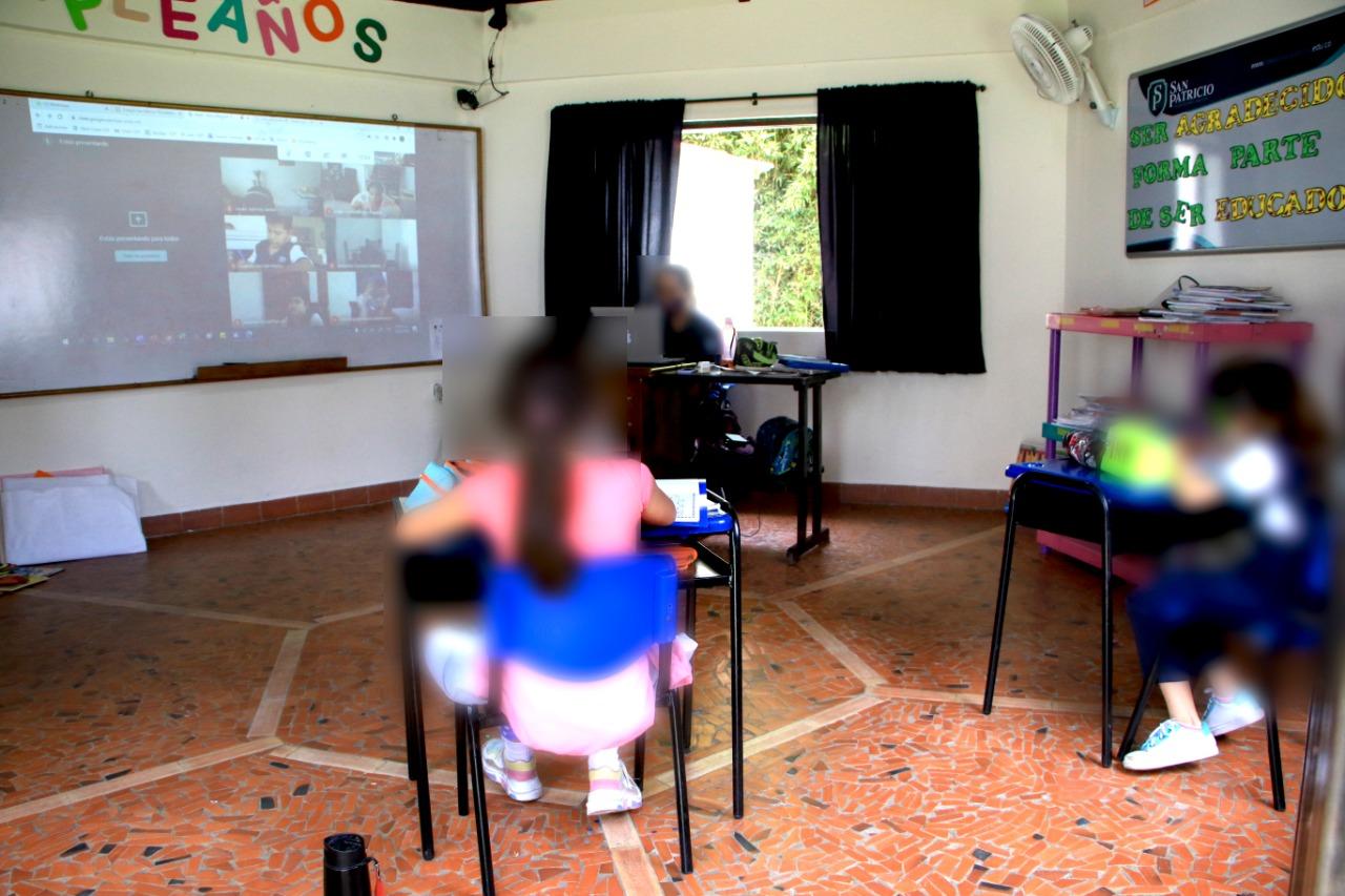 Colegio privado fue sorprendido dando clases presenciales en Floridablanca | EL FRENTE