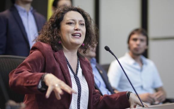 Angélica Lozano ofreció disculpas por 'madrazo' a Gustavo Bolívar | EL FRENTE