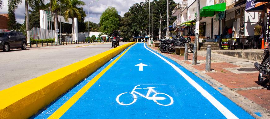Obras de las ciclorutas continúan pese a críticas    EL FRENTE