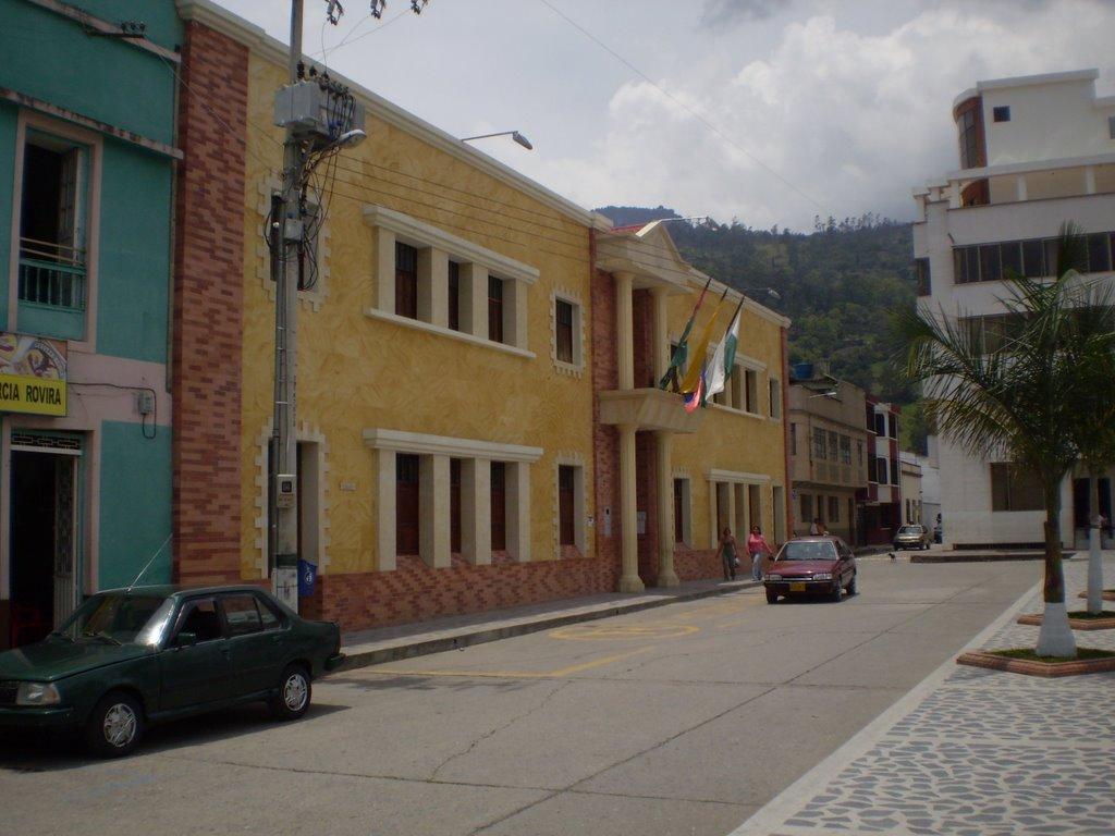 Por decreto del alcalde habrá cuarentena total desde este lunes en Málaga   EL FRENTE