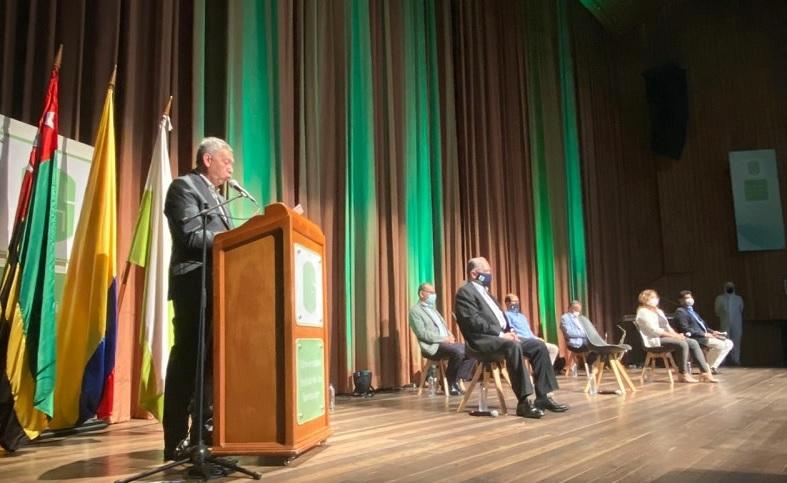 Profesores UIS recibieron homenaje por su labor académica y los años de servicio  | Santander | EL FRENTE