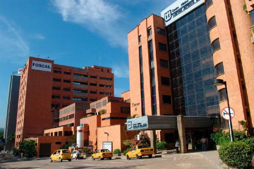 Médicos advierten que clínicas están abarrotadas de pacientes con COVID 19   EL FRENTE