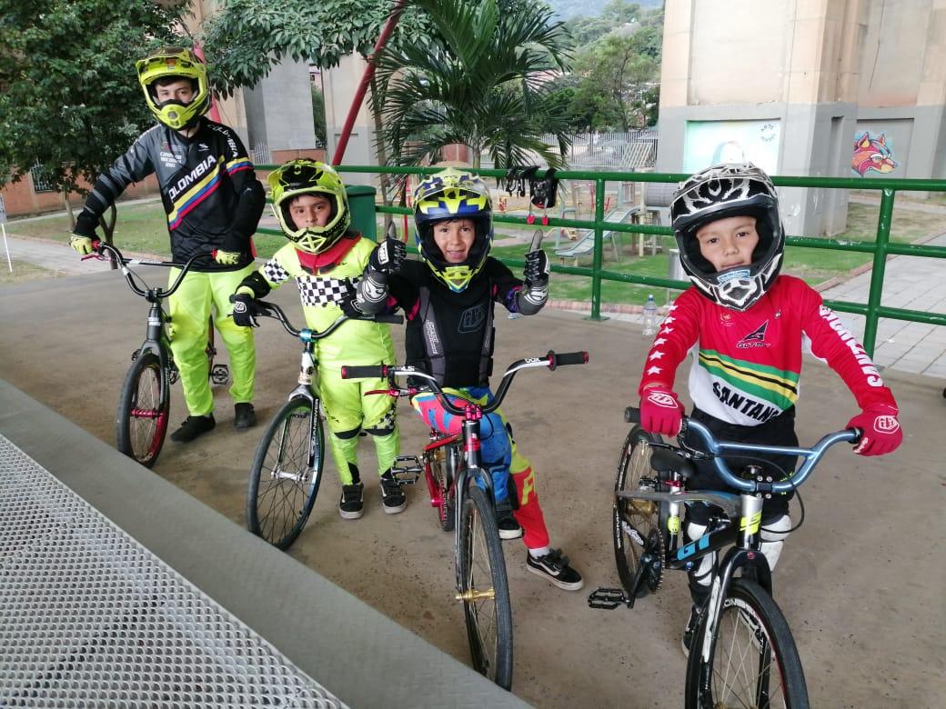 BMX de Santander rumbo a Estados Unidos y Costa Rica | Local | Deportes | EL FRENTE