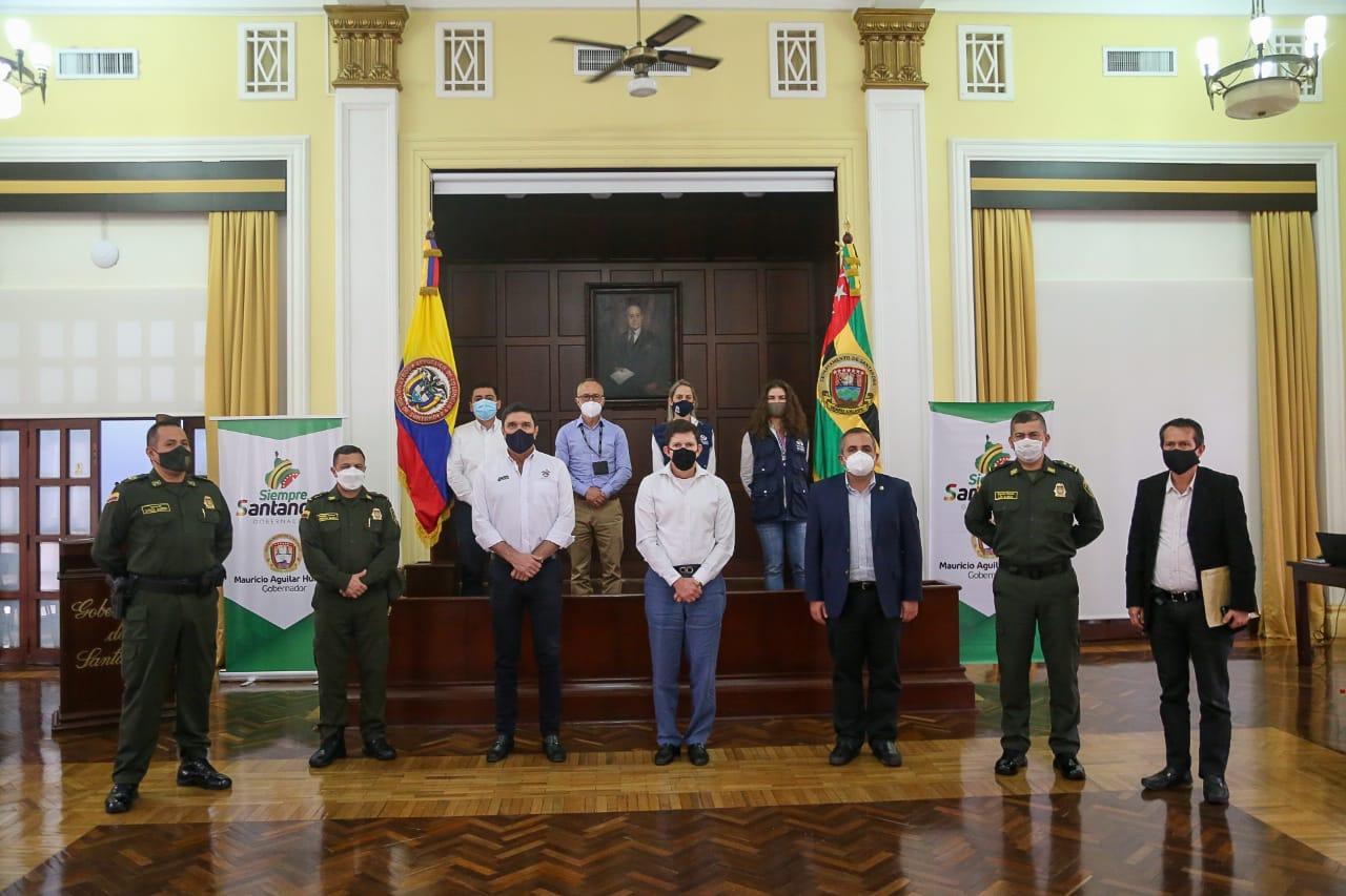 MinJusticia se comprometió a acabar con el hacinamiento en Santander    EL FRENTE