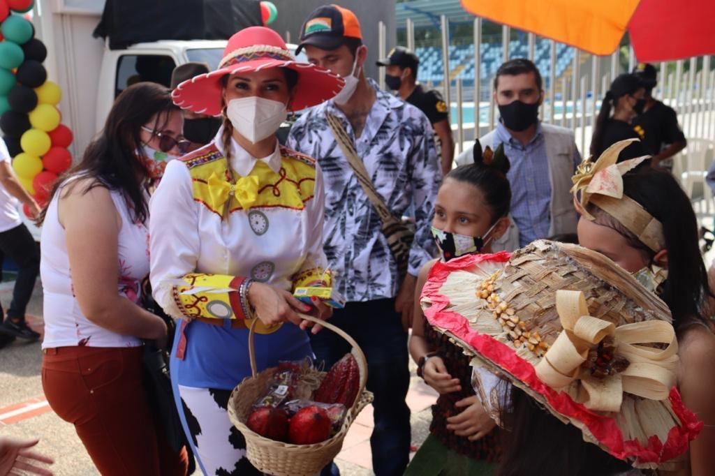 Con caravana continúa premiación del concurso: Siempre por nuestra niñez              Local   Política   EL FRENTE