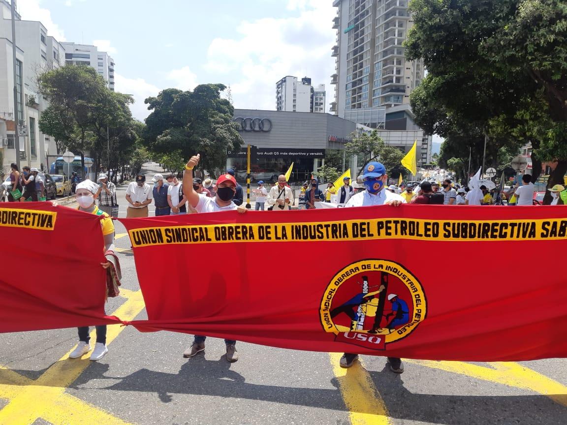 Una vez más docentes y trabajadores salieron a las calles   Metro   EL FRENTE