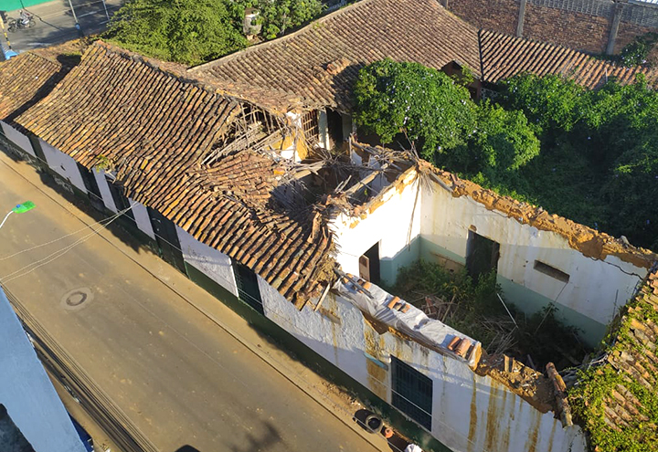 VIDEO. Se está cayendo casa donde nació el expresidente Custodio García Rovira   Metro   EL FRENTE