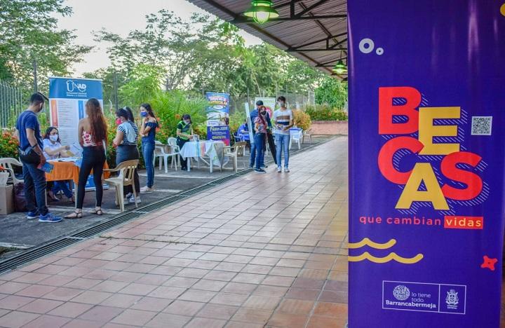 Actitud de ganadores en la Comuna 7 de Barrancabermeja con el programa de becas que cambian vidas | Santander | EL FRENTE