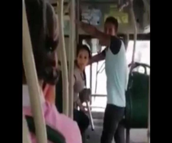 De algo nos tenemos que morir: dijo mujer sin tapabocas en Metrolínea | EL FRENTE