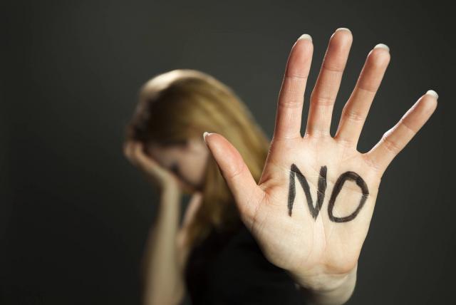 Investigan presunto abuso sexual por parte de un uniformado | EL FRENTE