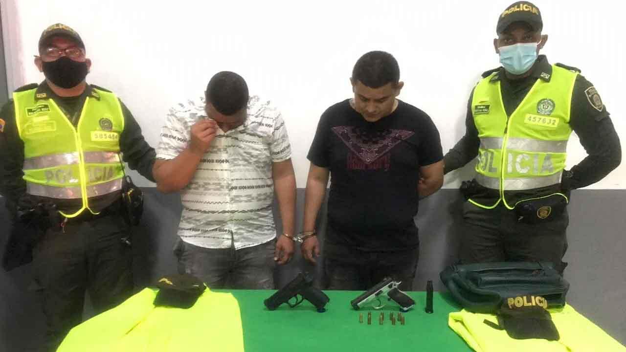 Ladrones disfrazados de policías robaron más de 100 millones de pesos  | EL FRENTE
