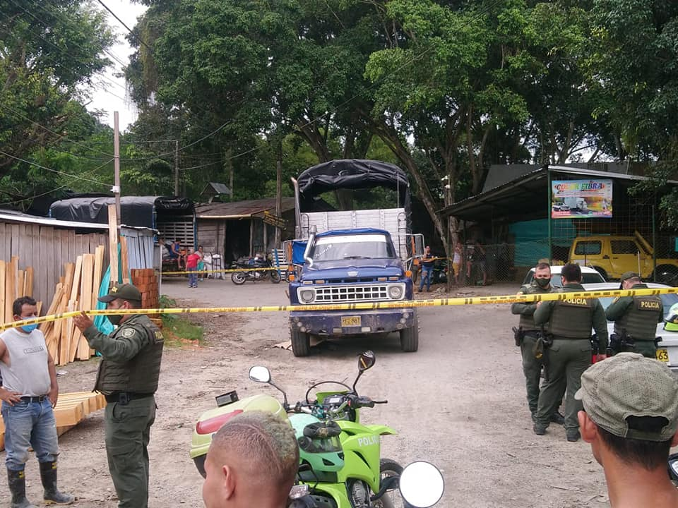 Hombre quedó bajo las llantas de un camión en El Playón | EL FRENTE