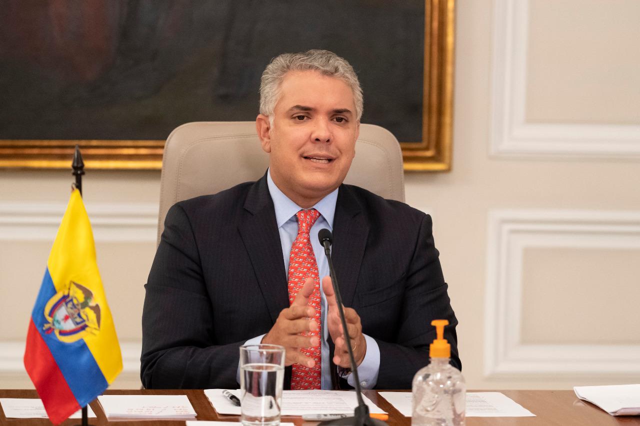La vacuna trae grandes esperanzas para Colombia pero la pandemia no se irá este año | EL FRENTE