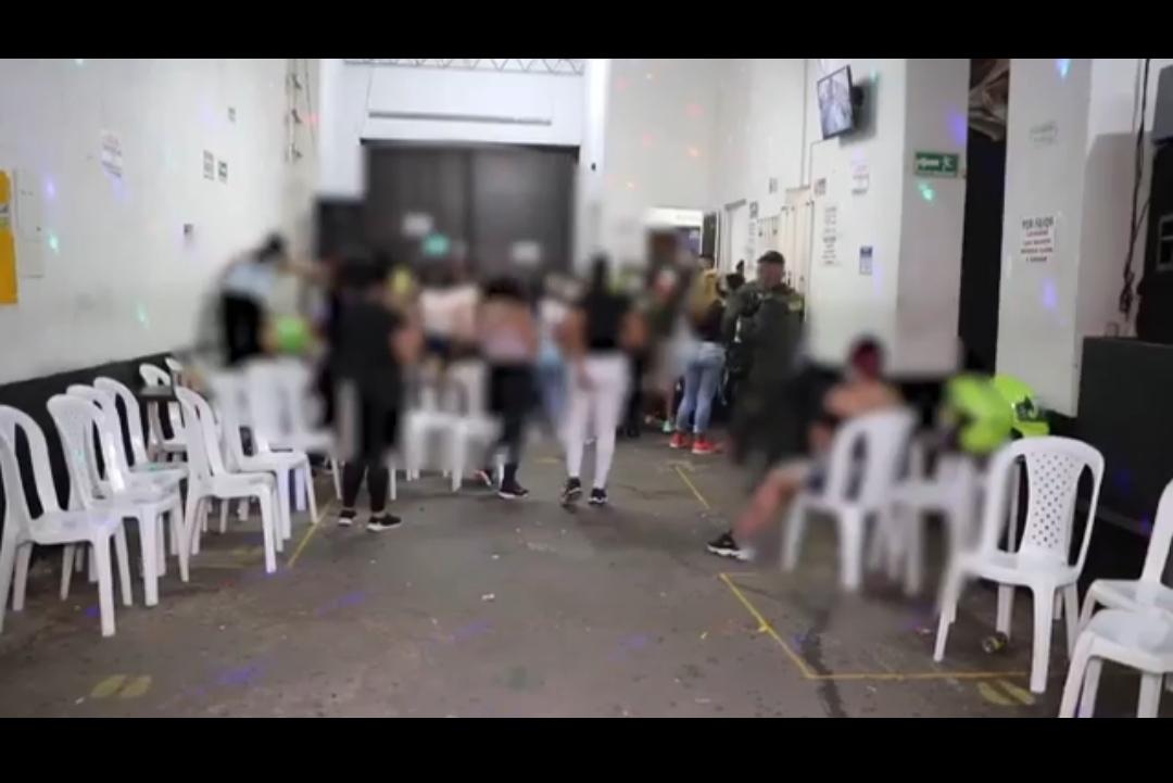 Sorprenden a 200 personas en una fiesta clandestina en Bucaramanga | Justicia | EL FRENTE