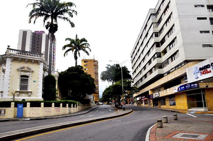 Decretan toque de queda nocturno, pico y cédula continúa en días pares e impares | Bucaramanga | Metro | EL FRENTE