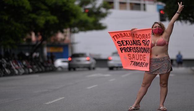 Meretrices en huelga para reclamar vacunas anticovid | EL FRENTE