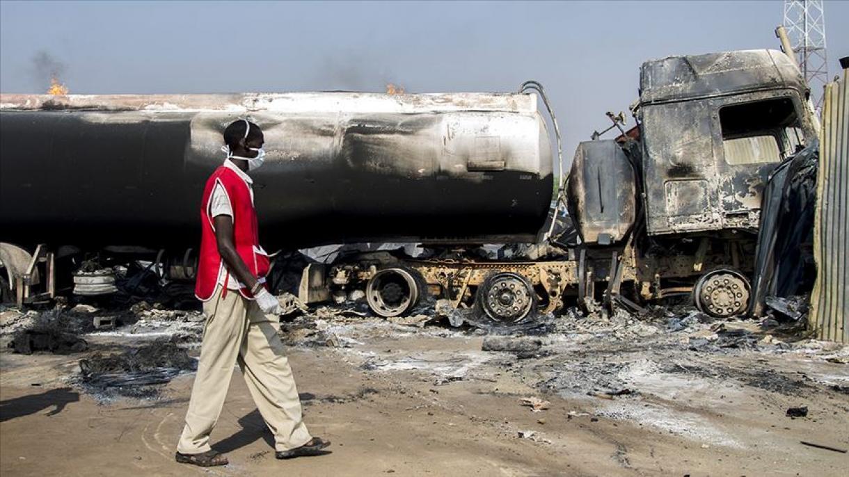 Doce muertos tras accidente e incendio de camión cisterna en Nigeria | Noticias | Mundo | EL FRENTE