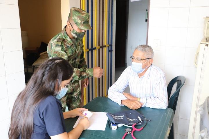 Apoyo y bienestar por parte de la Quinta Brigada a la comunidad de El Playón, Santander | EL FRENTE