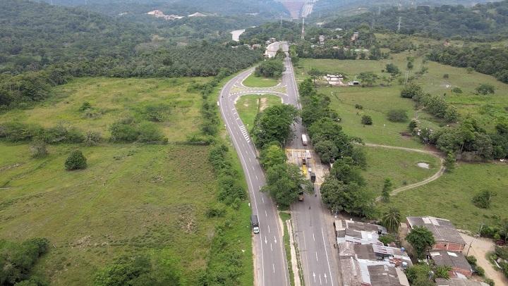 Paso restringido a un solo carril porque Ruta del Cacao desmonta el antiguo peaje Sogamoso | EL FRENTE