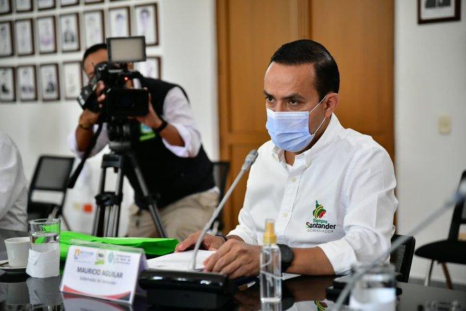Gobernador Mauricio Aguilar logró conjurar paro de los transportadores  | EL FRENTE