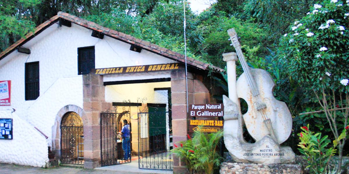 Turista bumangués fue atracado en el Parque Gallineral   Justicia   EL FRENTE