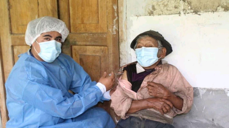 Tiene 121 años y fue vacunado contra la Covid-19 | EL FRENTE