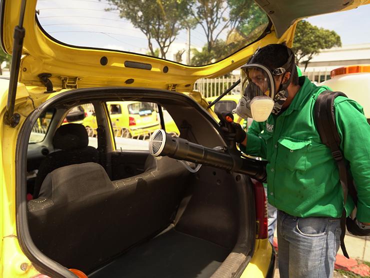 Continúa campaña de desinfección para vehículos del gremio amarillo | EL FRENTE