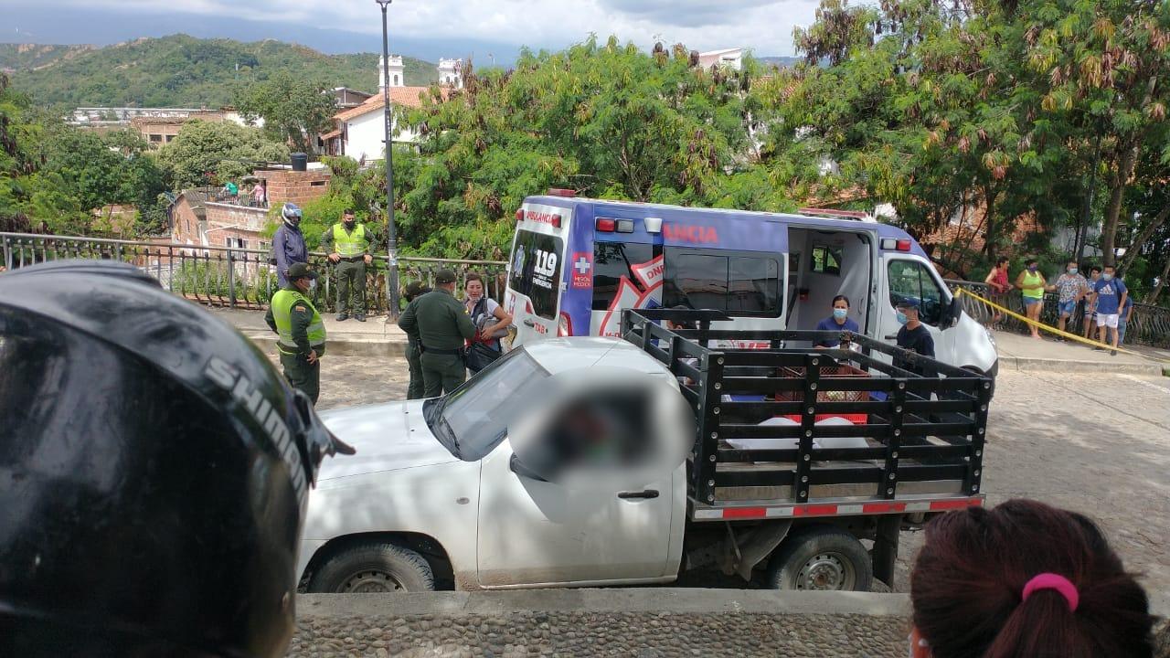 Lo asesinaron a quemarropa mientras parqueaba | EL FRENTE