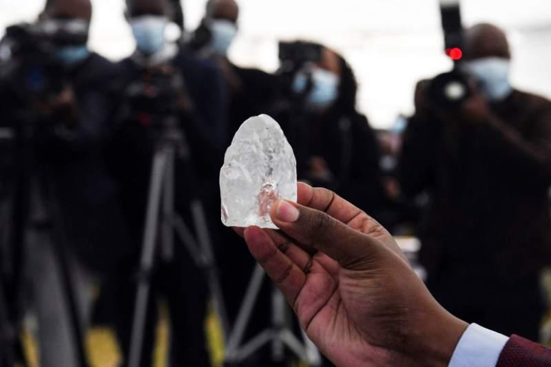 Extraen el tercer diamante más valioso jamás encontrado   EL FRENTE