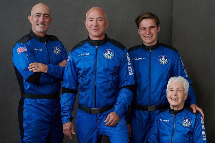 El sueño cumplido de multimillonario Jeff Bezos    EL FRENTE