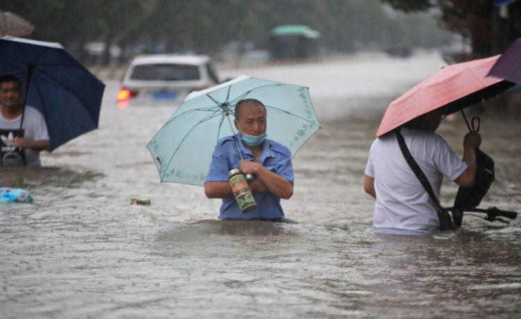 Al menos 25 muertos por lluvias torrenciales en China  | EL FRENTE