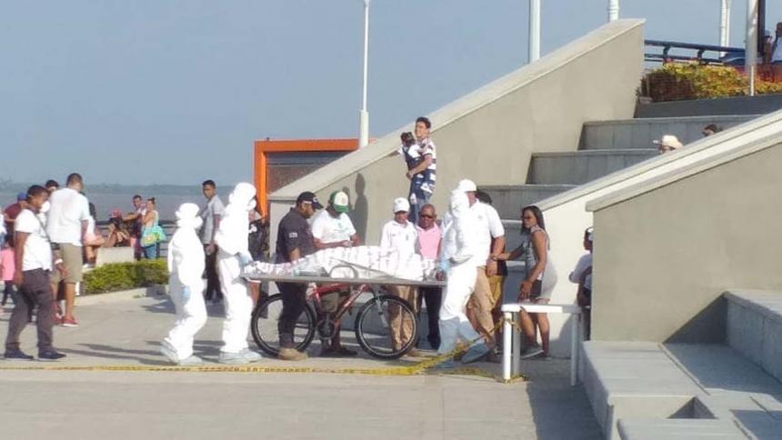 Túmido y flotando fue hallado un cadáver en plena orilla de un río   EL FRENTE
