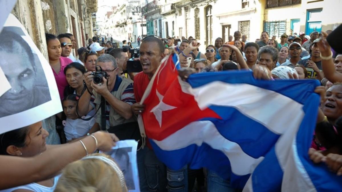 Sentencia de prisión para detenidos por recientes protestas en Cuba   EL FRENTE