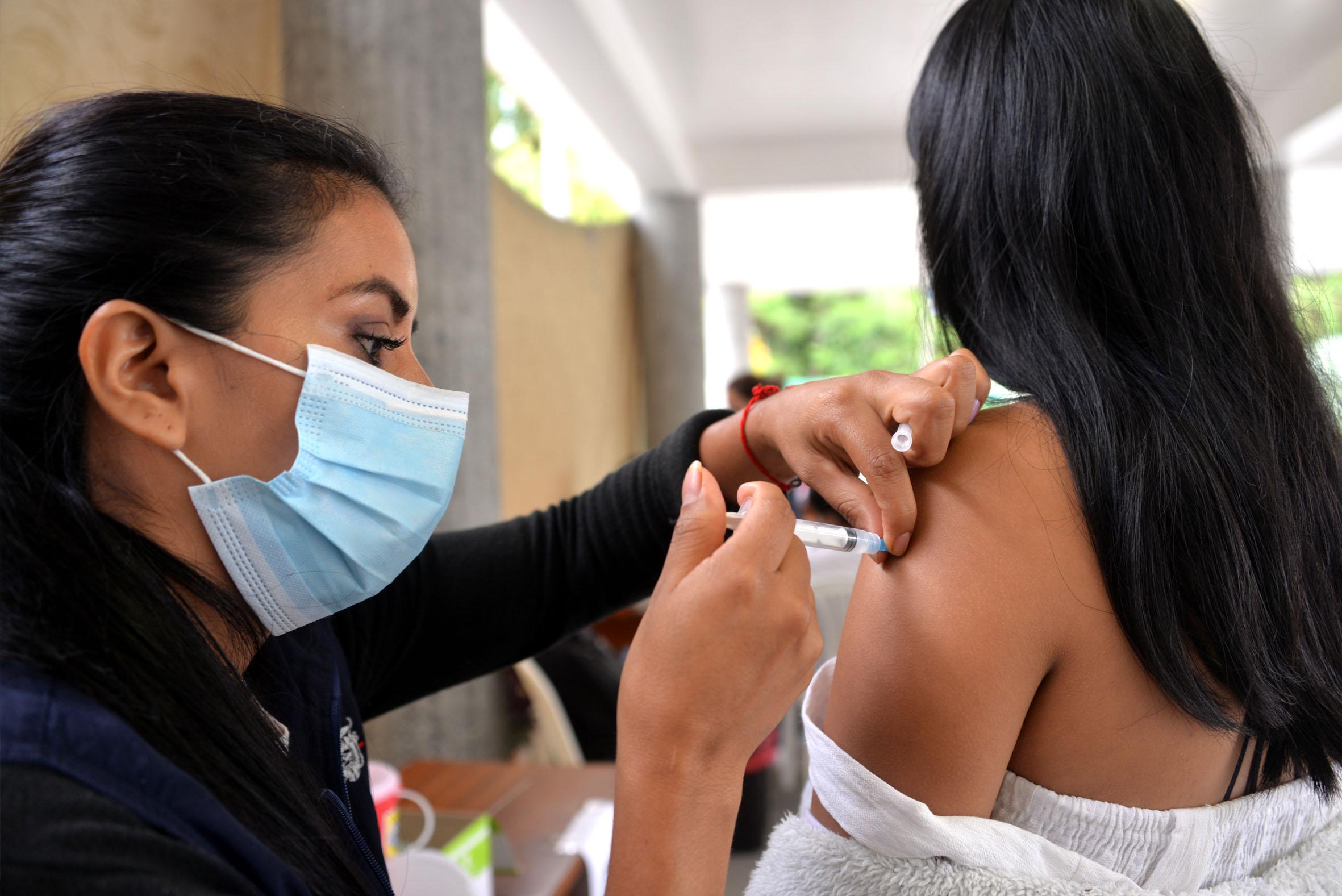 Universitarios podrán vacunarse desde este lunes 2 de agosto | Metro | EL FRENTE