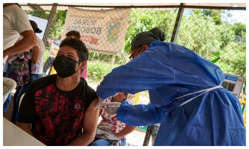 Bucaramanga primera del país con equipo ambulante de vacunación   Local   Política   EL FRENTE