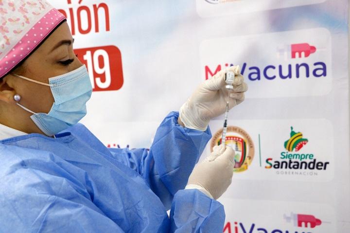 Llegaron 18.750 vacunas de Moderna a Santander y prioridad será para mayores de 50 años | Santander | EL FRENTE