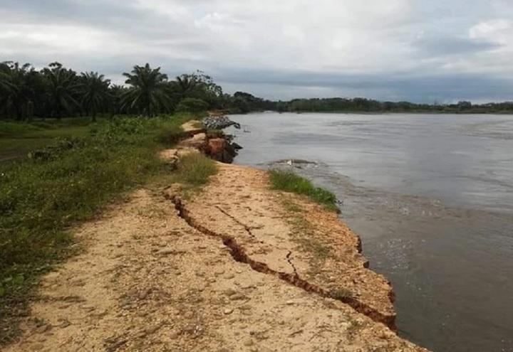 Jarillón semidestruido por río Magdalena y la población está en peligro en Puerto Wilches, Santander | Santander | EL FRENTE