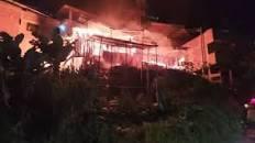 VIDEO. Voraz incendio en Floridablanca dejó a varias familias en la calle | EL FRENTE