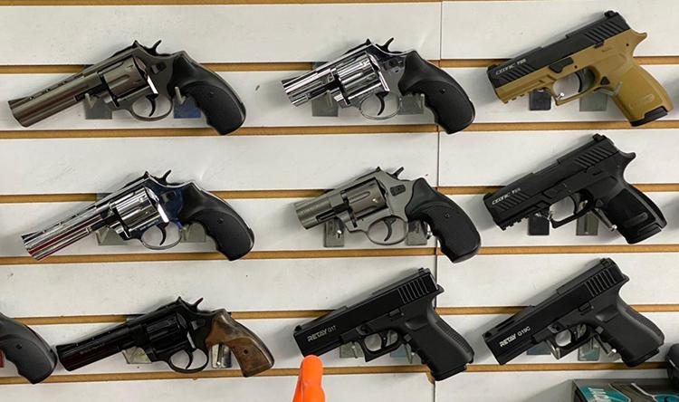 Se firmó el decreto que regula el uso de armas traumáticas en Colombia  | Nacionales | Colombia | EL FRENTE