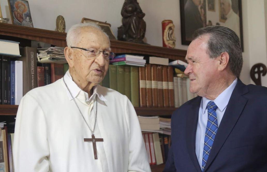 Monseñor Pimiento y su problema con las divorciadas | Especiales | Variedades | EL FRENTE