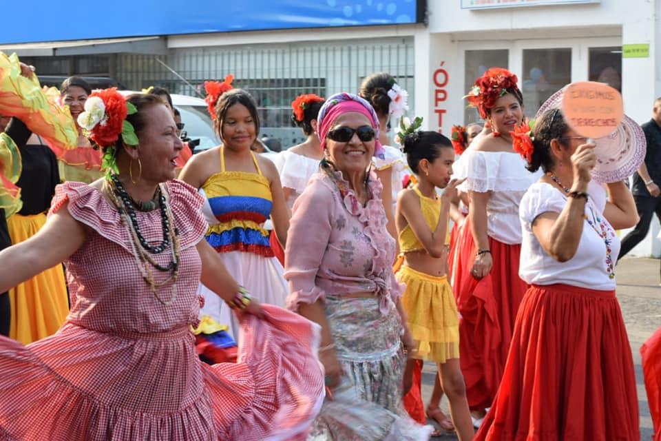 BREVES PORTEÑAS: Desfile por el Día de la Mujer | EL FRENTE
