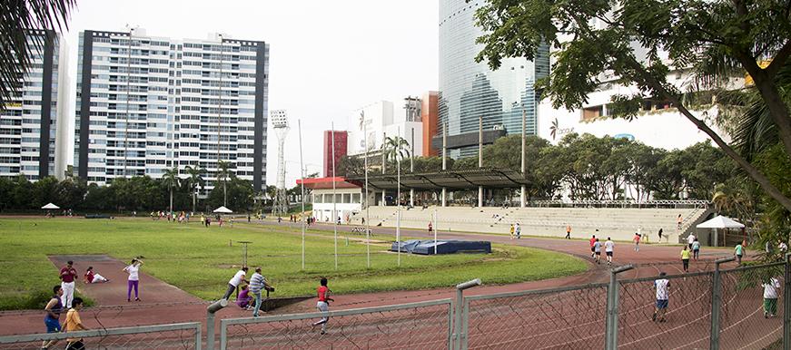 La Alcaldía de Bucaramanga busca la transformación del estadio de atletismo La Flora | EL FRENTE