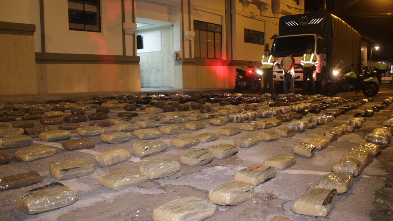 Policía incauta 245 kilogramos de marihuana en la vía a Bucaramanga    EL FRENTE