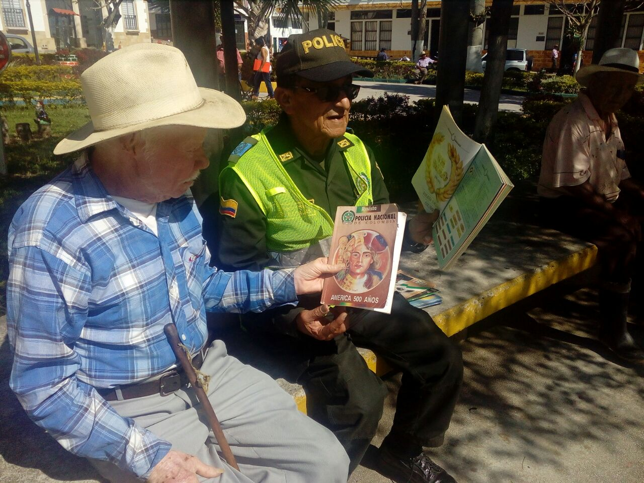 La Revista Policía Nacional celebra sus 107 años | EL FRENTE