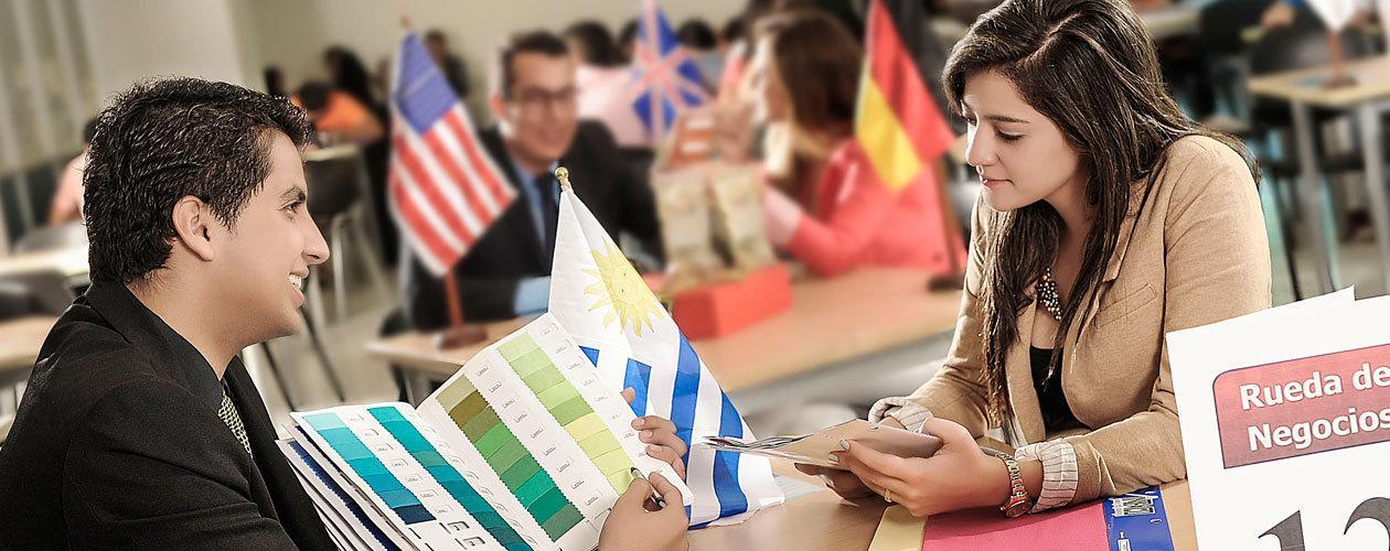 Diplomáticos reunidos este jueves en la UPB. Celebración de los 10 años de Negocios Internacionales | Educación | Variedades | EL FRENTE