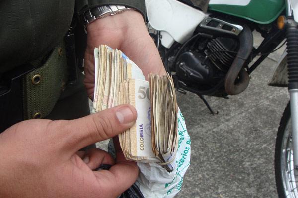 Con paquete chileno querían robarle $3 millones | EL FRENTE