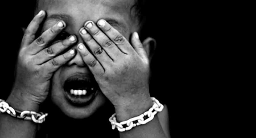 Yihadista esclavizó y dejó morir de sed a niña de 5 años | EL FRENTE